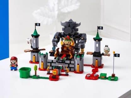 LEGO 71369 Bowser's Castle Boss Battle Expansion Set - דגם עם מריו