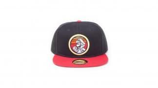 כובע רטרו שחור עם איור של סופר מריו