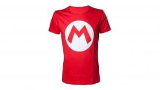 חולצה אדומה עם הדפס האות M של הקמע של מריו