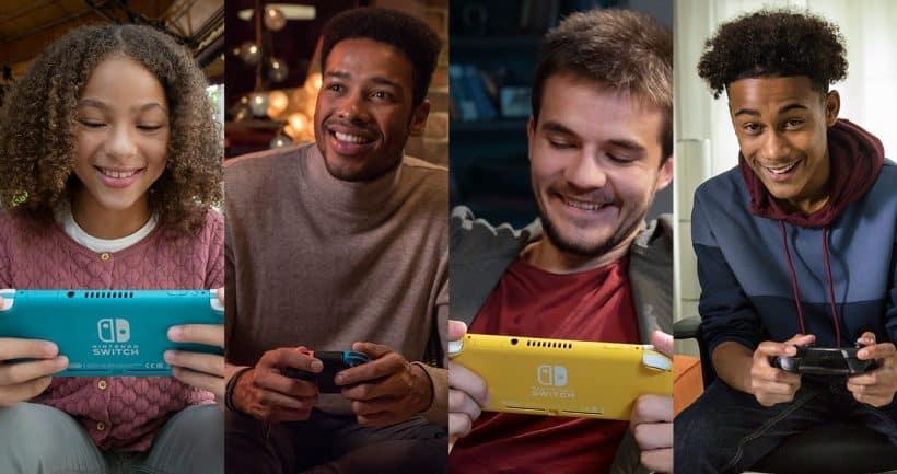 4 אנשים משחקים בקונסולות נינטנדו סוויץ' ונינטנדו סוויץ' לייט