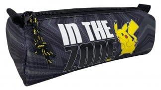 קלמר שחור מסדרת 'In The Zone' של פוקימון עם איור של הפוקימון פיקאצ'ו.